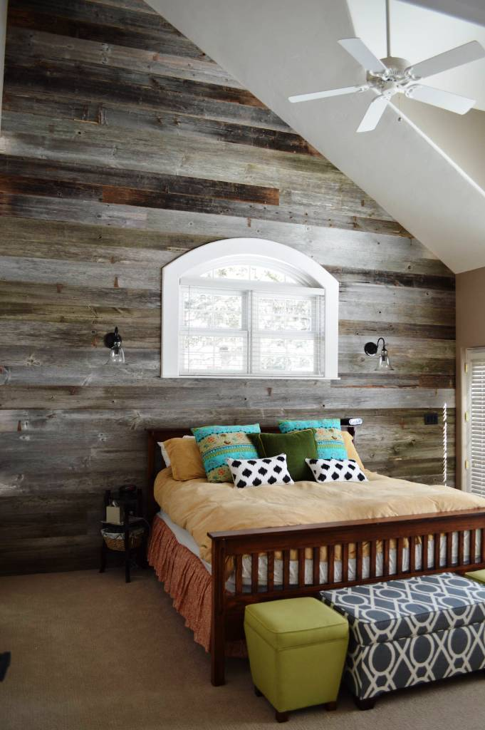 Reclaimed Barn Wood Small Space Bedroom