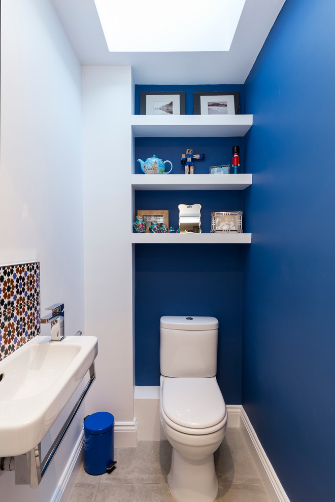 blue and white bathroom wall