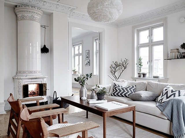 Old Charming Apartment Scandinavian Style Living Room