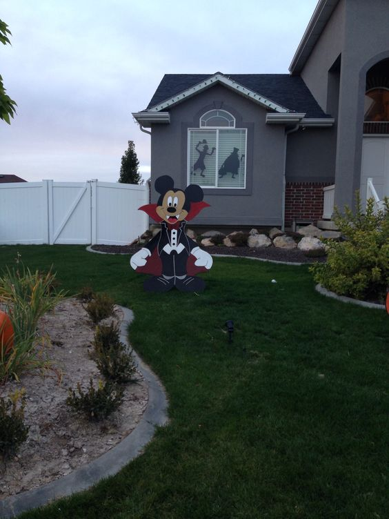Mickey mouse yard Halloween Decorations