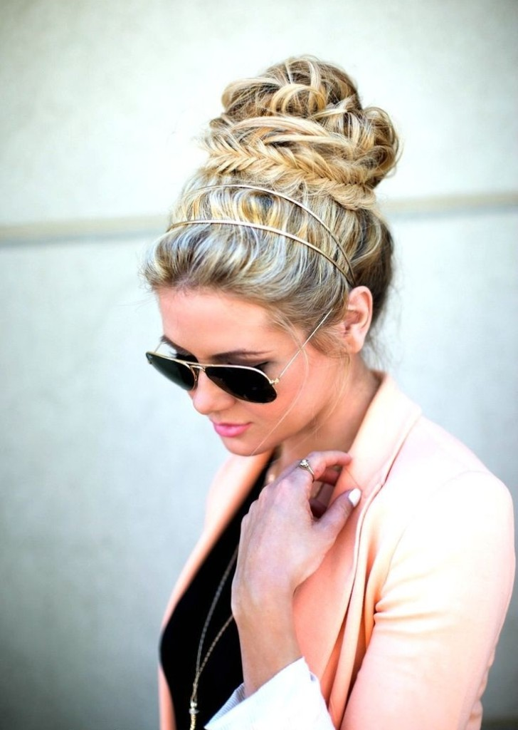 Messy Updo Hairstyles For Holiday