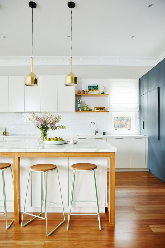 Balance With Minimalist Cabinets And Lines