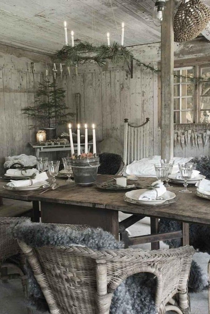 Old Fashioned Rustic Christmas Decor