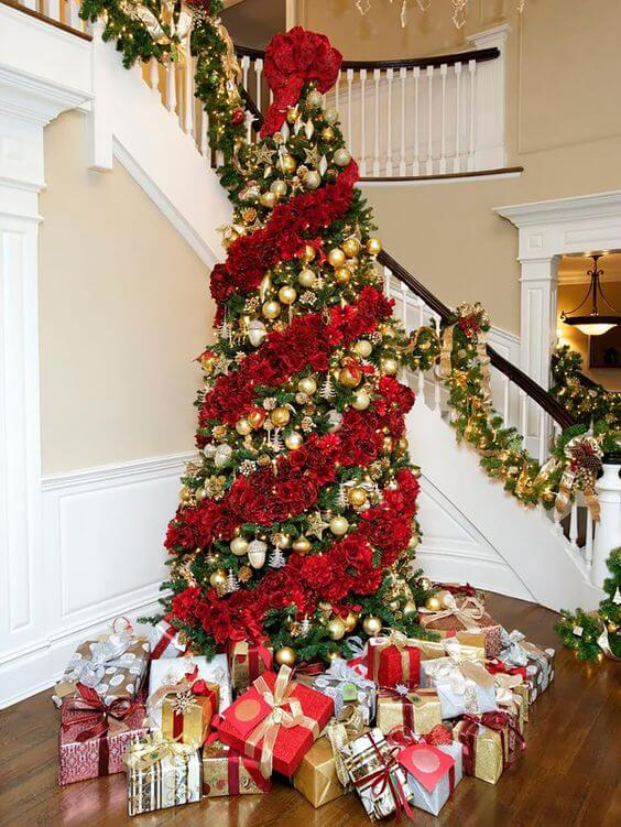 Traditional Tree With Flower Decoration