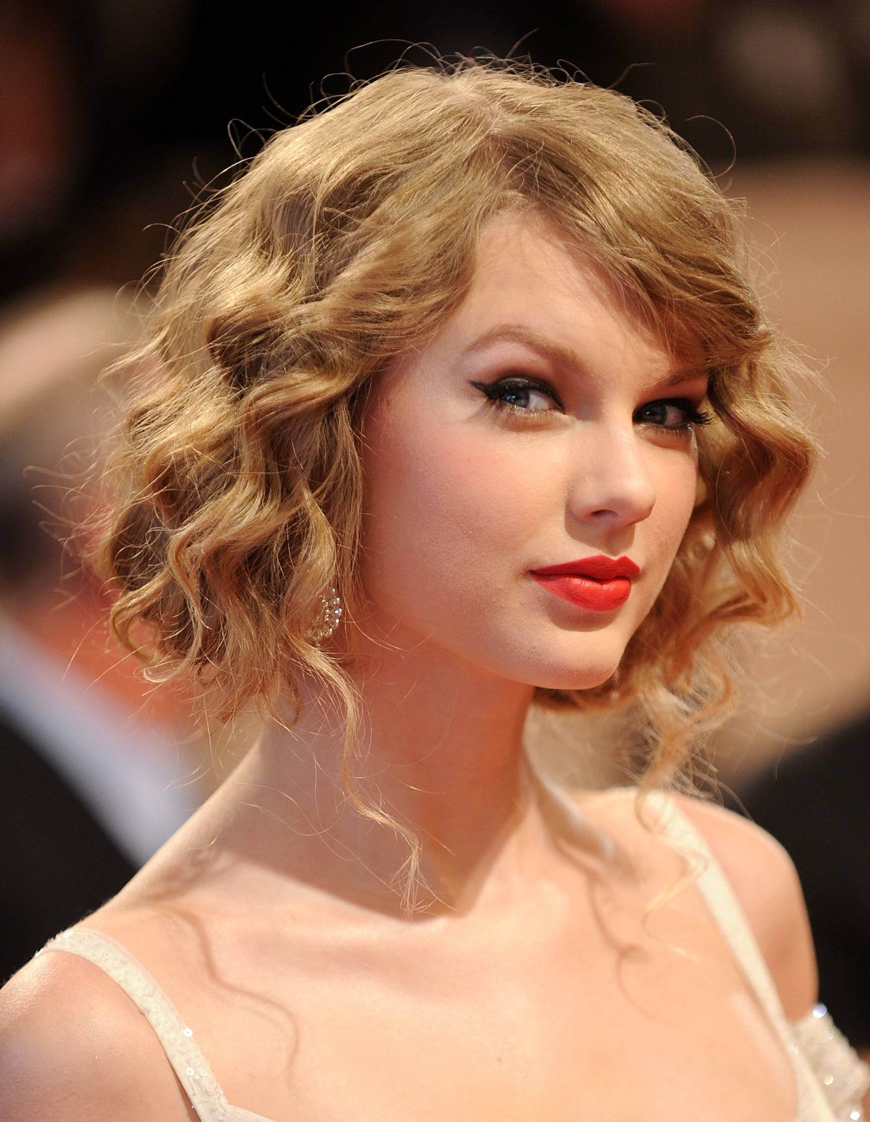 Curly Hairstyles for Prom