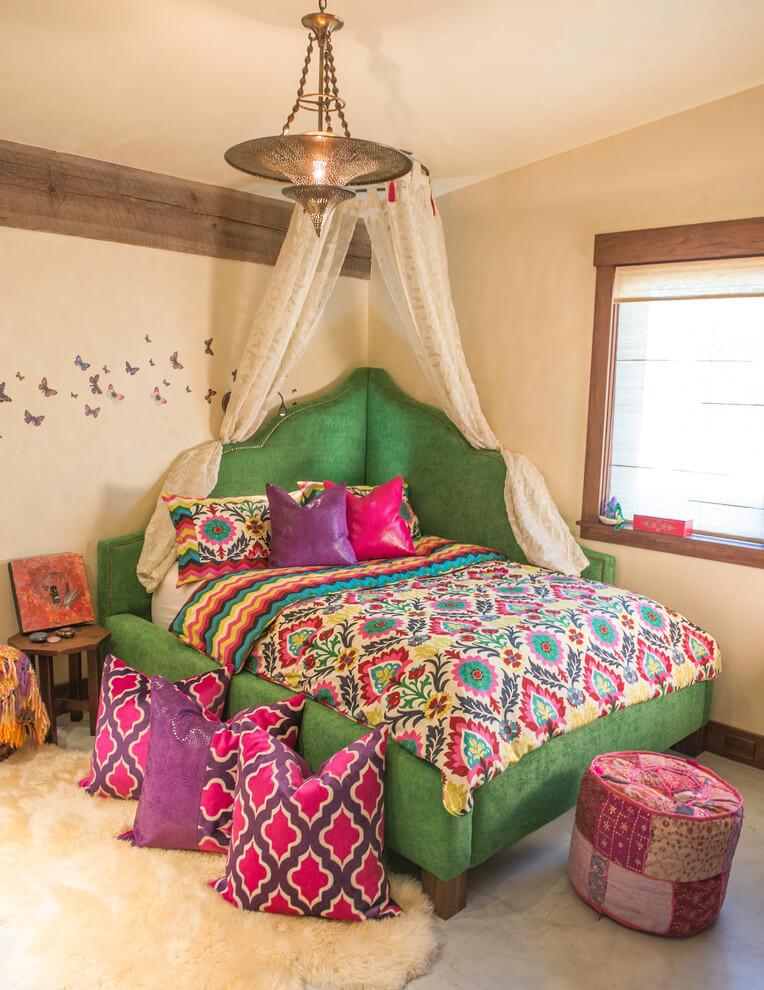 Corner Canopy Bed Vibrant Decor