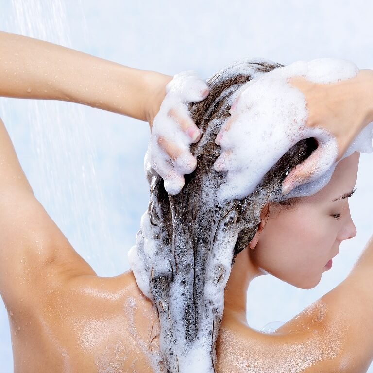 Use Moisturizing Shampoo and Conditioner For Dry Hair