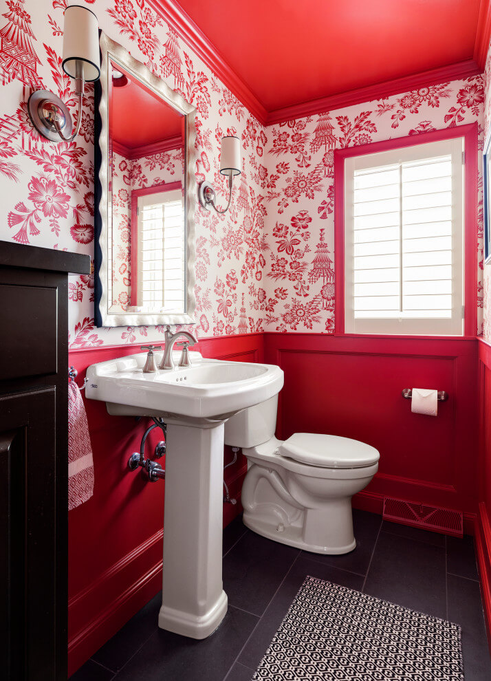 Floral Wallpaper In Traditional Bathroom