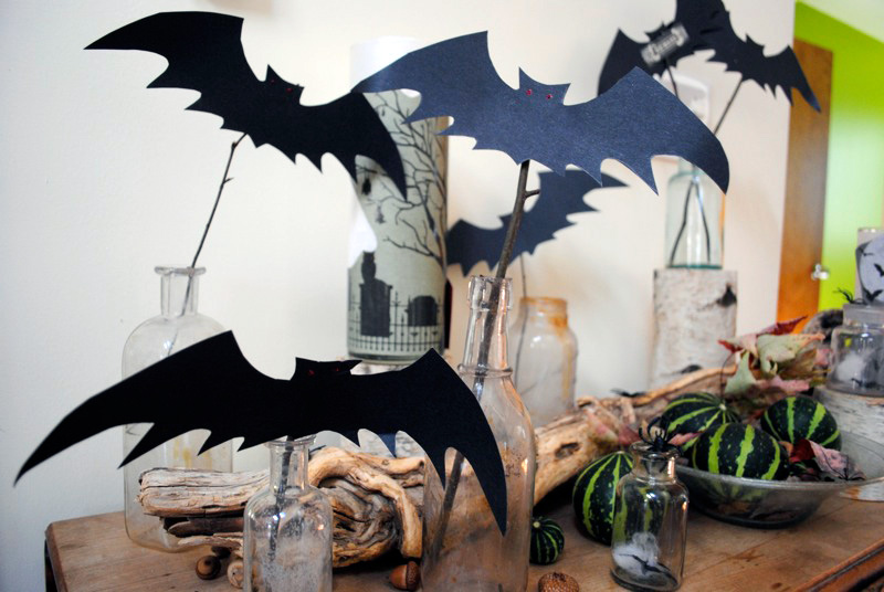 Halloween Party Ideas with bats decorations