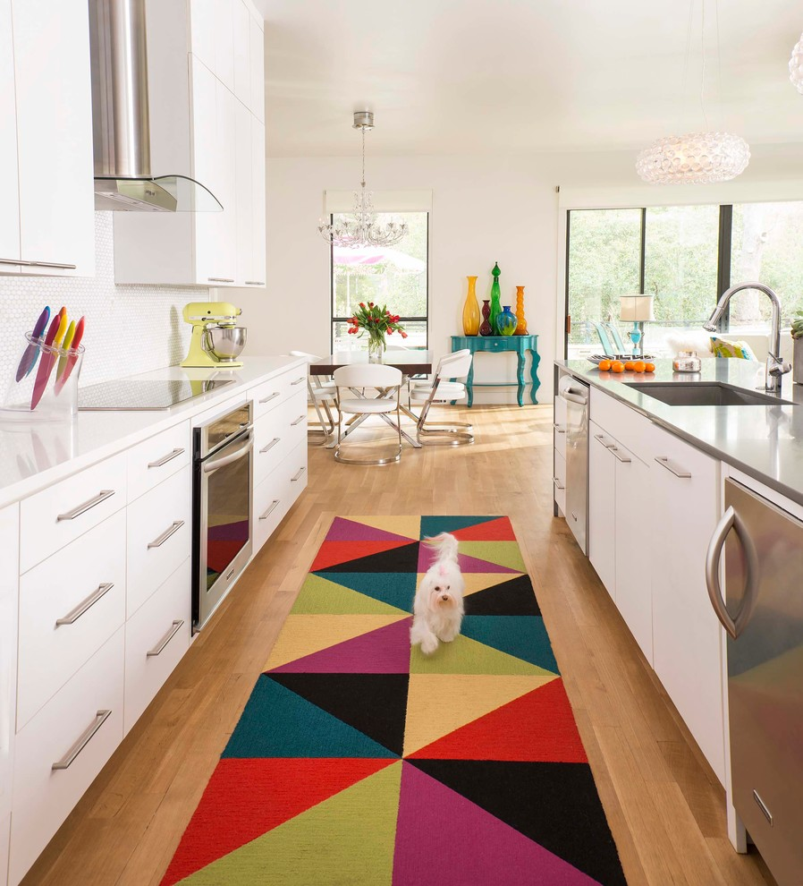 Sophisticated Design With Colorful Rug