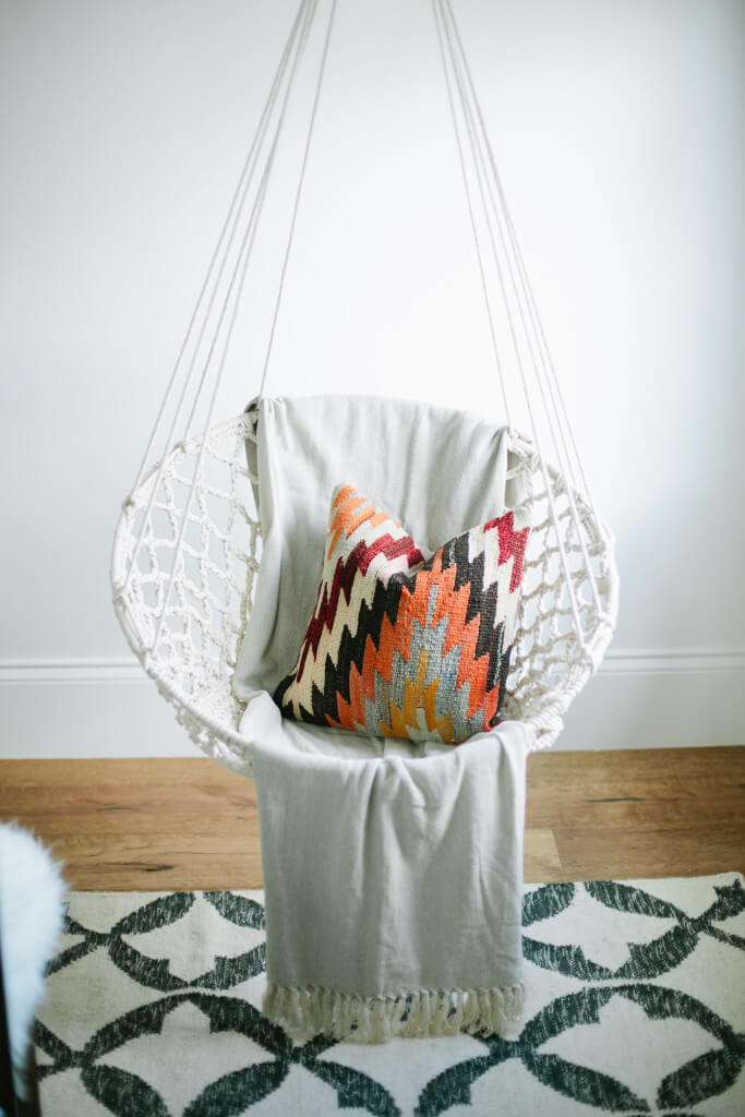 swing chair white