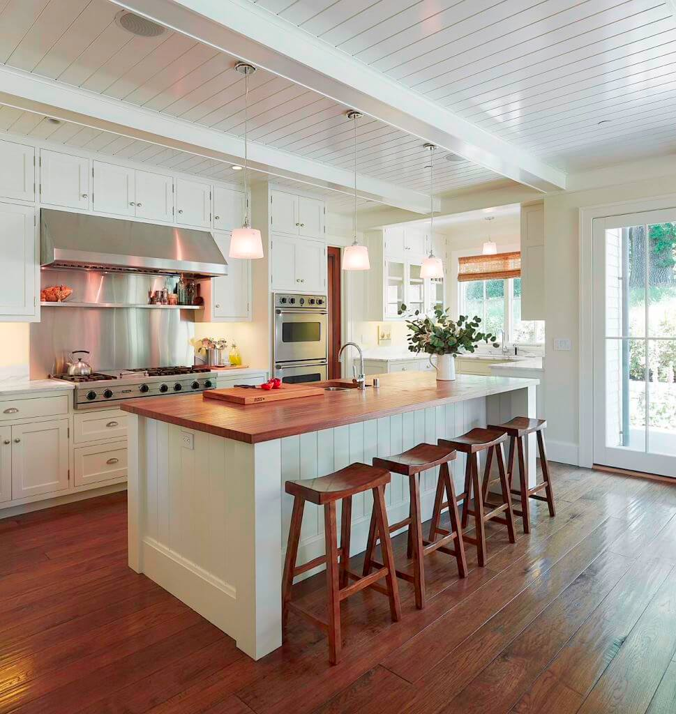 Blended Shade of White and Wood Traditional Kitchen