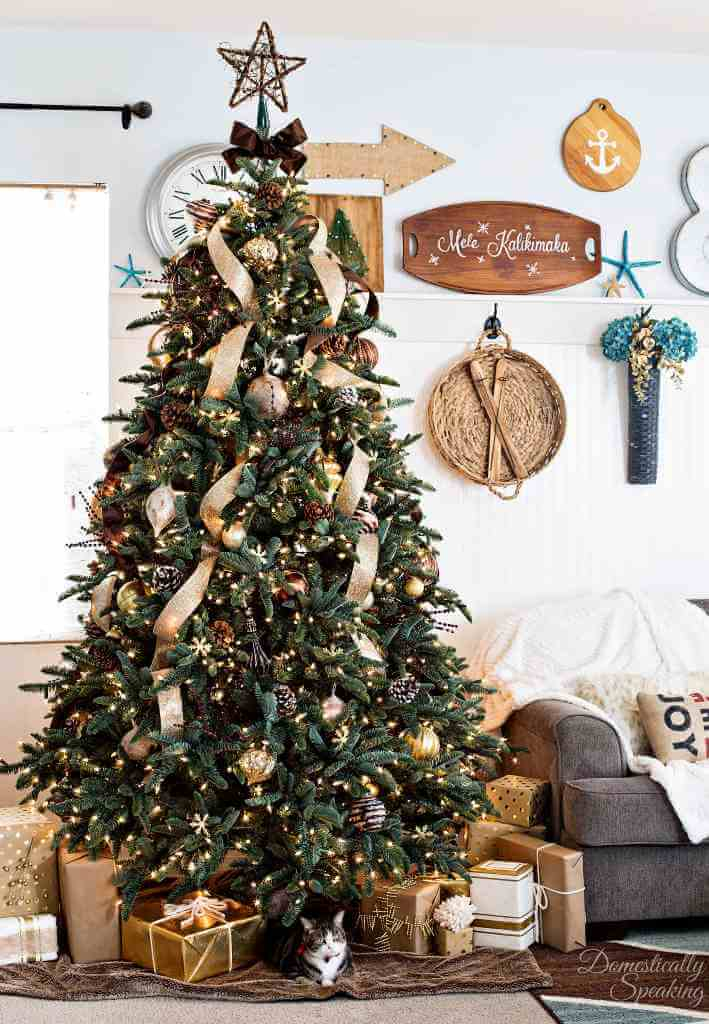 Rustic Christmas Tree Decoration