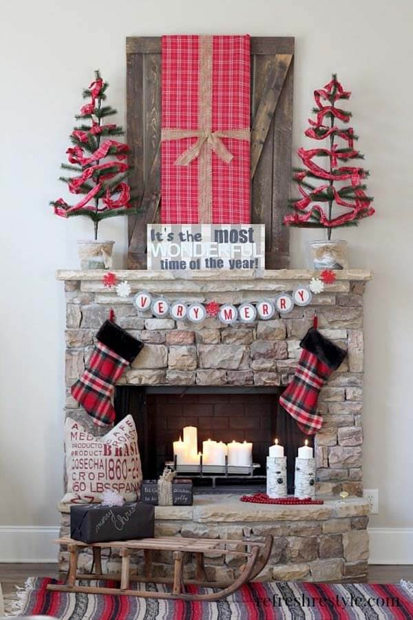 Country Style Christmas Fireplace Mantel