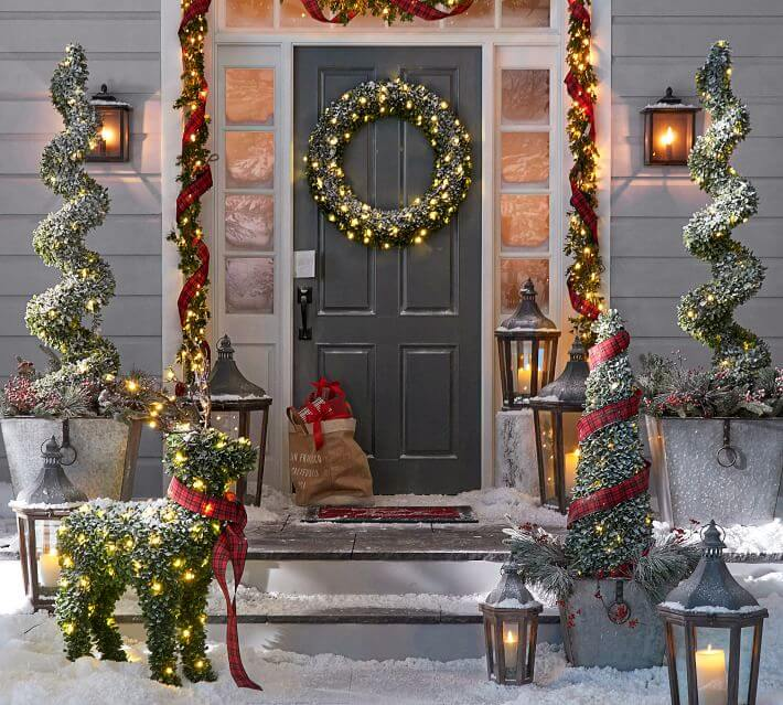 Merveilleux Lanterns Front Door Christmas Decor