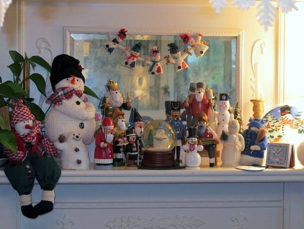 Fireplace Mantel Snowman Christmas Decoration