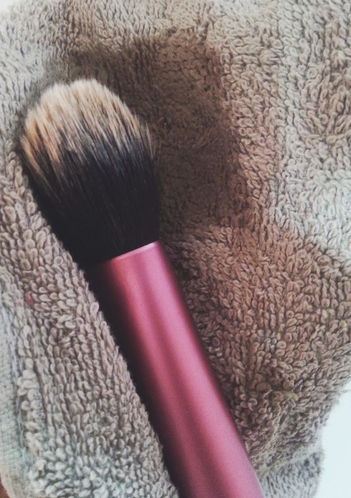 Cleaning The Make-up Brushes